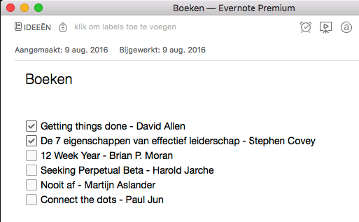 Lijst van boeken in een Evernote-notitie met afvinkbare vakjes eróór.