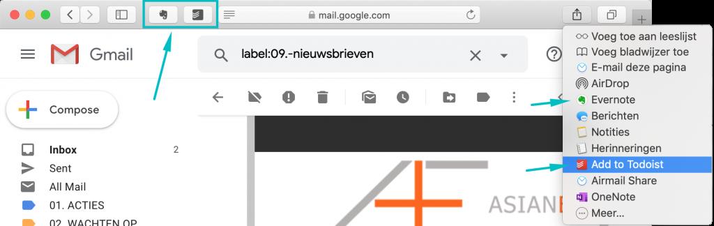 Safari-browser met een pijl die wijst naar de Todoist- en Evernoteknop naast de adresbalk en de opties in het menu Deel