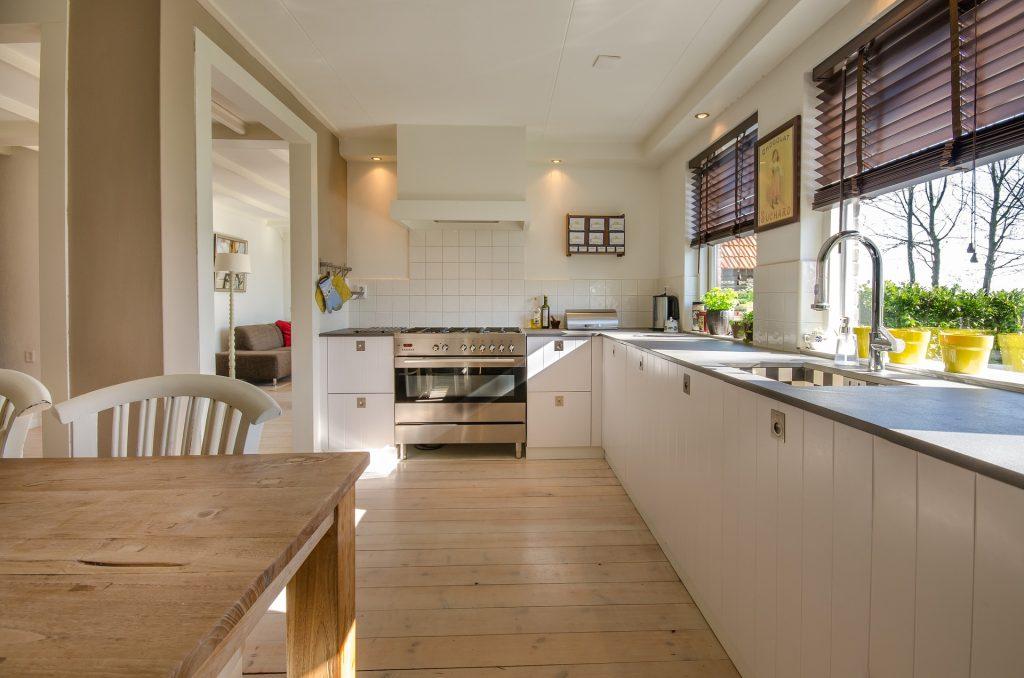 Overzichtelijke, opgeruimde keuken